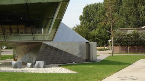 Kundenspezifische Designtore - Poloclub Vreeland - Protec Industrial Doors