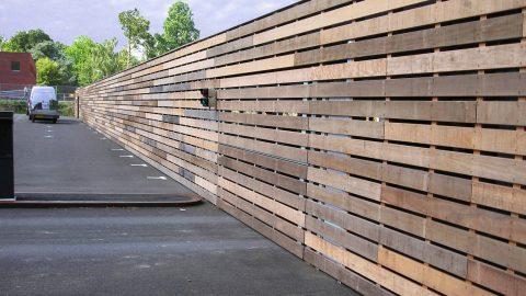 Sektionaltore bündig in die Fassade oder Wand eingebaut - Protec Industrial Doors