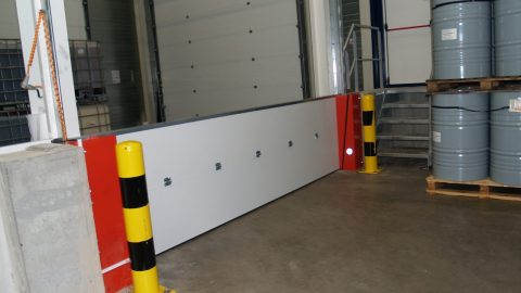 Die Flüssigkeitssperren von Protec Industrial Doors