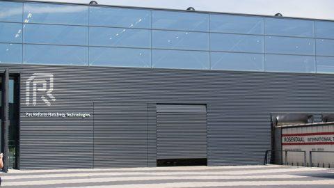 Komplette Integration in die Fassade - Rundlauftor