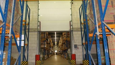 Flüssigkeitssperren in Brandschutztore eingebaut - Protec Industrial Doors
