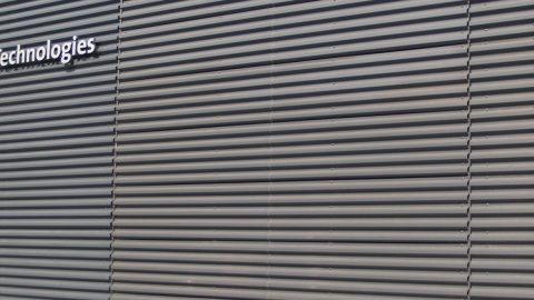 Schiebetor als Fassadenelement