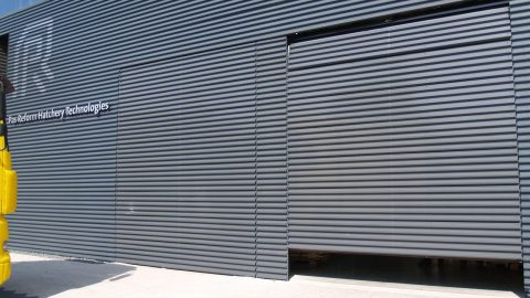 unauffällig in der Fassade getarnt - optisch nahtlos eingebettet