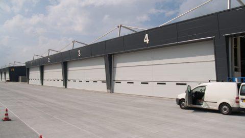 Höchste Sicherheitstore - Luftwaffe - Hangar Jagdflugzeug