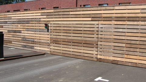 Designdoor - Fassadenelemente - bündig an die Fassade bauende Architektur, Holzverkleidung