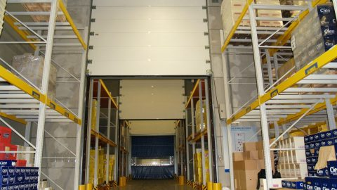EI-Brandschutztor für logistische Verteilzentren und Chemikalienlager