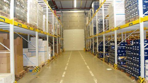 Feuerhemmendes Sektionaltor: Logistiktore für Verteilzentren